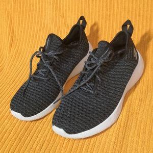 New! Skechers sneakers with memory foam base
